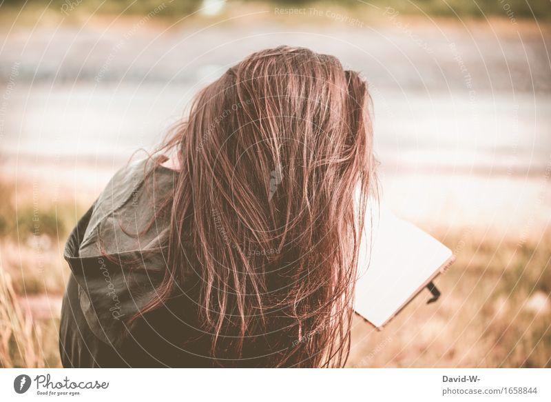 lesen Mensch Frau Ferien & Urlaub & Reisen Jugendliche Sommer Junge Frau Sonne Freude Erwachsene Leben feminin Glück Freiheit Zufriedenheit Freizeit & Hobby