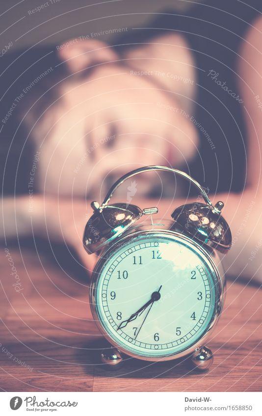 Müde? Mensch Frau Jugendliche schön Junge Frau Erholung ruhig Mädchen Erwachsene Leben Schule Feste & Feiern Wohnung träumen liegen Freizeit & Hobby