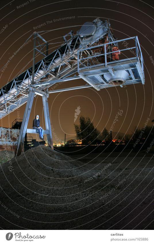 Keith Grube Ferne kalt dunkel braun Kraft sitzen ästhetisch Perspektive gefährlich Technik & Technologie Güterverkehr & Logistik außergewöhnlich gruselig trashig Verbote Clown
