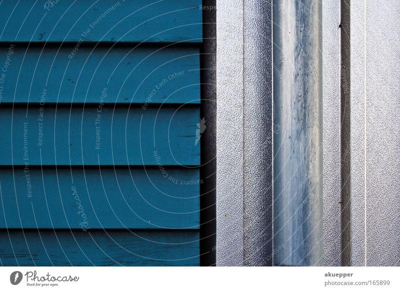 Holz vs. Metall blau Haus Wand Holz Mauer Zufriedenheit Metall modern Wandel & Veränderung silber Tradition