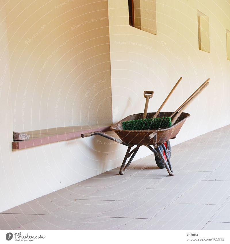 Alles sauber Haus gelb Wand Fenster Garten Stein Mauer Wege & Pfade Fassade Ordnung Baustelle Sauberkeit Reinigen Dienstleistungsgewerbe Handwerk Werkzeug