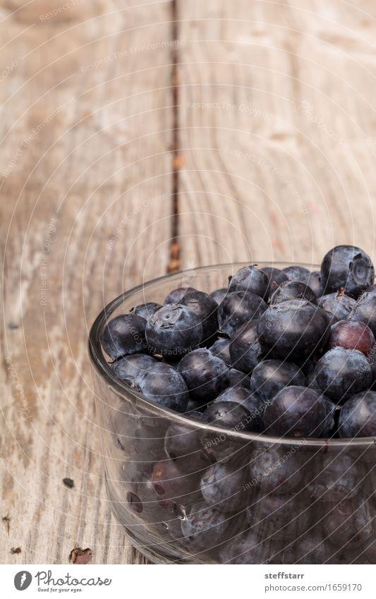 Klarglasschüssel reife Blaubeeren blau schön Leben Essen Lifestyle Gesundheit Lebensmittel Gesundheitswesen Frucht Ernährung Wellness Bioprodukte Frühstück