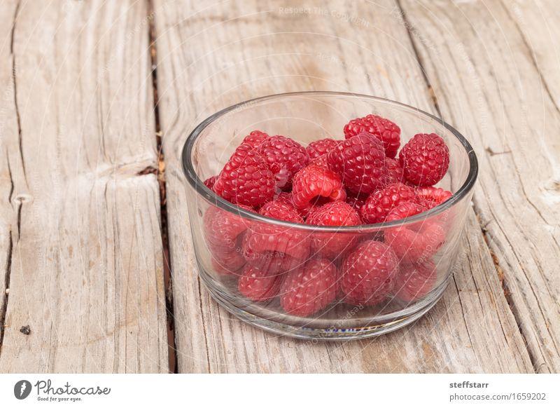 Klarglasschüssel reife Himbeeren Pflanze rot Leben Essen Gesundheit Lebensmittel rosa Frucht Ernährung Wellness Wohlgefühl Bioprodukte Frühstück
