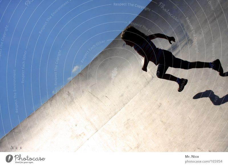 speed Außenaufnahme Schatten Fitness Sport-Training Halfpipe Mädchen Körper Metall Bewegung fangen laufen Geschwindigkeit sportlich Freizeit & Hobby Freude
