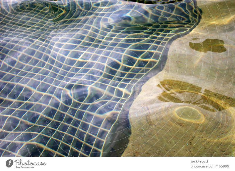 (B9) Wasserspiel schön Wasser schwarz gelb grau Linie Stimmung elegant Zufriedenheit Perspektive ästhetisch nass Netzwerk Brunnen chaotisch diagonal