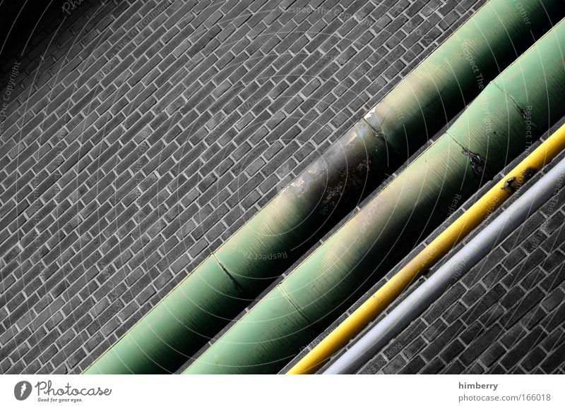 analogleitung vs dsl alt dunkel Wand Mauer Fassade Energiewirtschaft Industrie Baustelle einzigartig retro Telekommunikation Fabrik Backstein Verbindung Röhren