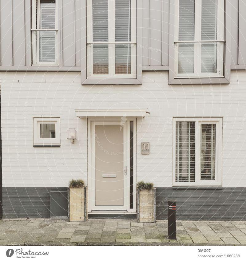 Haus Ferien & Urlaub & Reisen Sommer Stadt Fenster Straße Architektur Wand Herbst Gefühle Gebäude Mauer Fassade Tür Bauwerk Bürgersteig