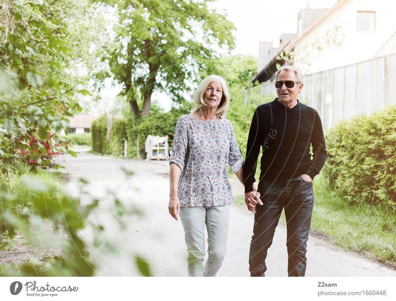 Für immer und ewig Lifestyle elegant Stil Weiblicher Senior Frau Männlicher Senior Mann Paar Partner 2 Mensch 60 und älter Natur Landschaft Sommer