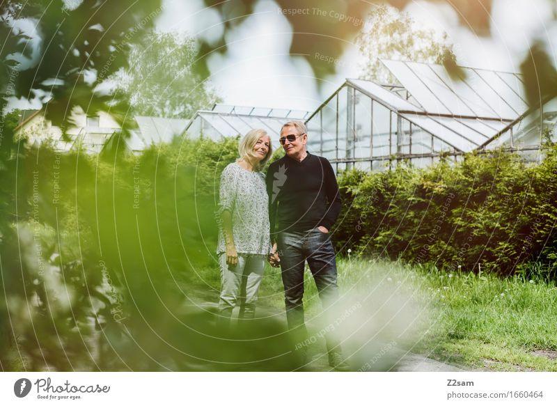 Zweisam Frau Natur Mann alt Sommer Landschaft Erholung Frühling Liebe Senior Lifestyle Stil Gesundheit lachen Glück Paar