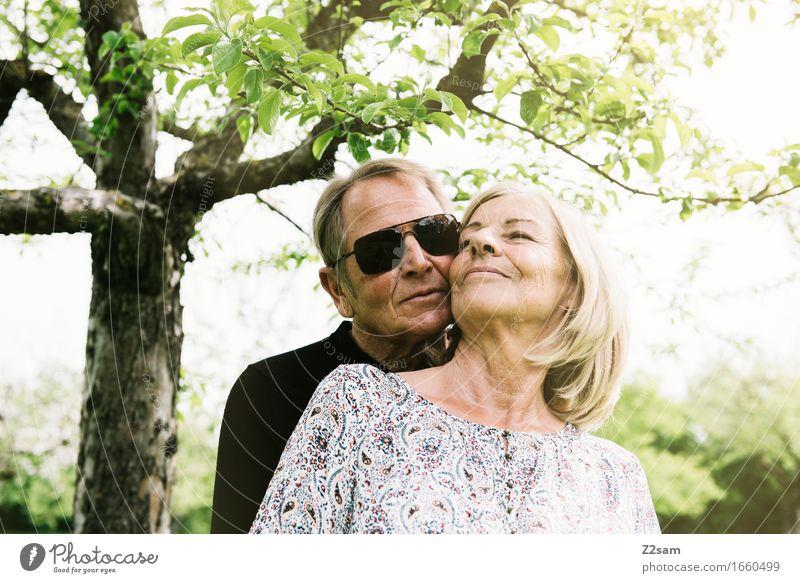 30 Jahre Lifestyle Zufriedenheit Erholung Freizeit & Hobby Weiblicher Senior Frau Männlicher Senior Mann 60 und älter Natur Landschaft Sommer Schönes Wetter