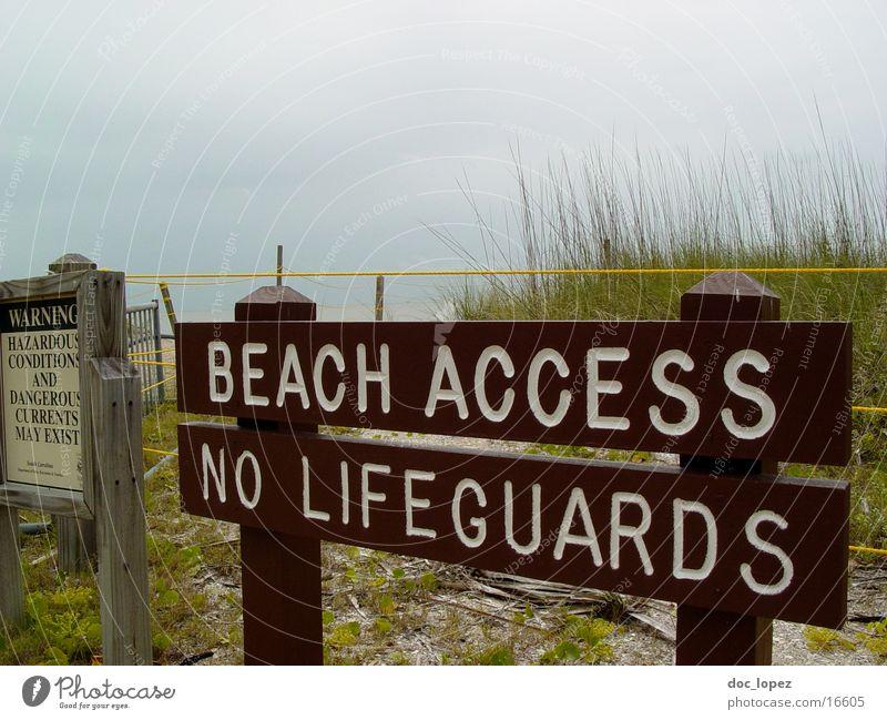auf eigene gefahr Meer Strand Schilder & Markierungen Freizeit & Hobby Hinweisschild Stranddüne Warnhinweis schlechtes Wetter Strandposten