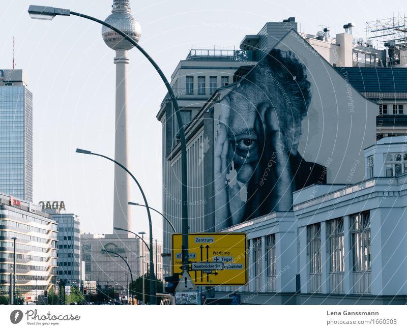 Berlin is watching you Feierabend Kunst Maler Straßenkunst Berlin-Mitte Hauptstadt Stadtzentrum Skyline Haus Hochhaus Architektur Mauer Wand Fassade Fernsehturm