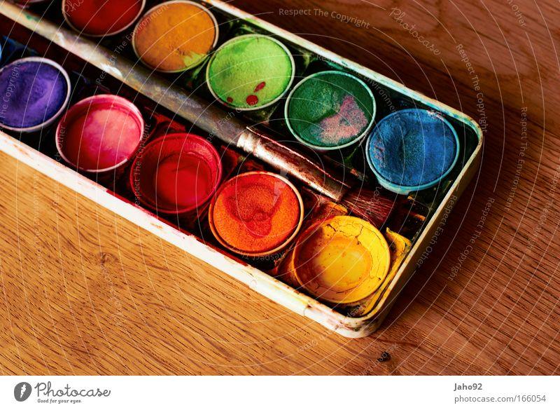 Wasserfarbkasten Farbfoto Innenaufnahme Detailaufnahme Textfreiraum links Textfreiraum unten Hintergrund neutral Vogelperspektive Kunst Künstler Maler Kunstwerk