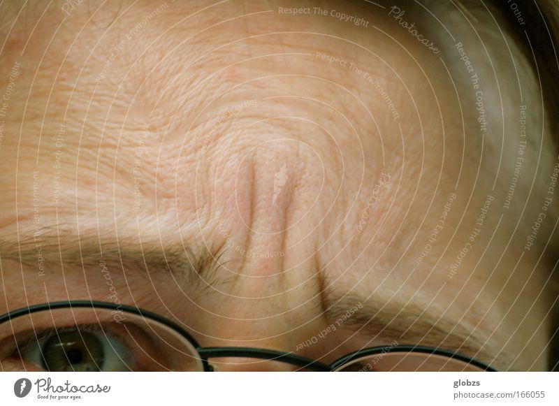 Denken macht Falten! Mensch Mann Erwachsene Auge Gefühle Kopf Denken Stimmung maskulin nachdenklich beobachten Kommunizieren Symbole & Metaphern Konzentration Wut Stress