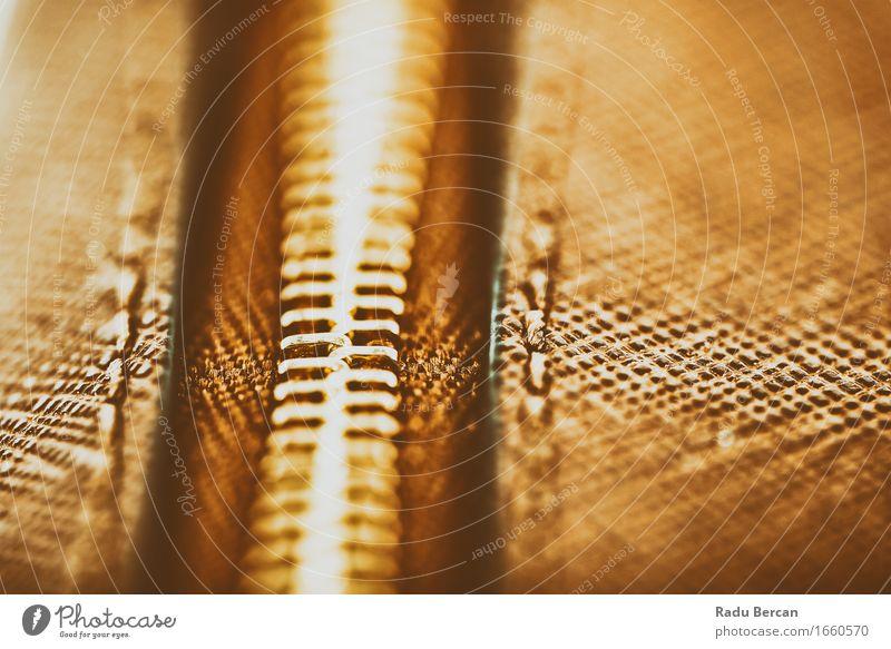Reißverschluss-Nahaufnahme auf Brown-Leder-Geldbörse Lifestyle Design Mode Bekleidung Accessoire Tasche retro braun schön Stil Ledertasche Konsistenz Material