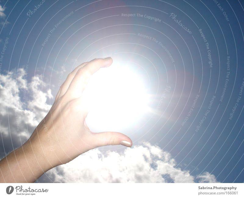 Die Kugel des Seins in der Zange der Zerstörung Himmel Natur blau weiß Sommer Sonne Wolken Erholung Ferne Luft hell Deutschland außergewöhnlich authentisch