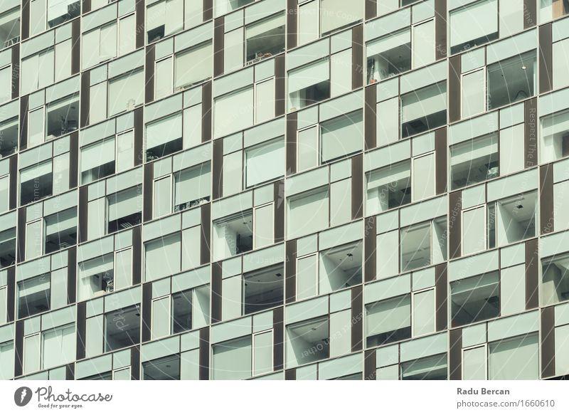 Geschäft, das Windows abstraktes Detail aufbaut Architektur Stadt Stadtzentrum Hochhaus Bauwerk Gebäude Fassade Fenster Glas bauen blau grau Bürogebäude