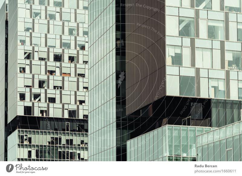 Geschäft, das Windows abstraktes Detail aufbaut Stadt Stadtzentrum Hochhaus Bauwerk Gebäude Architektur Fassade Fenster bauen Häusliches Leben unten blau Erfolg
