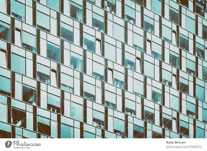 Stadt blau weiß Fenster schwarz Architektur Gebäude Business Fassade modern Glas Hochhaus Bauwerk Stadtzentrum türkis