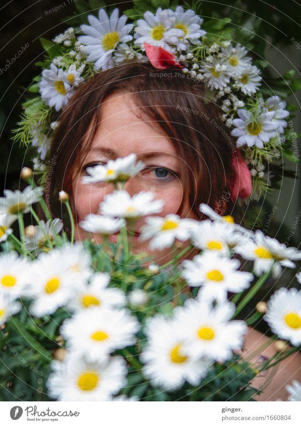 AST 9 | Die Blumenkönigin von Alsfeld Mensch Frau schön grün weiß Gesicht Erwachsene Auge gelb Leben feminin Feste & Feiern braun Dekoration & Verzierung