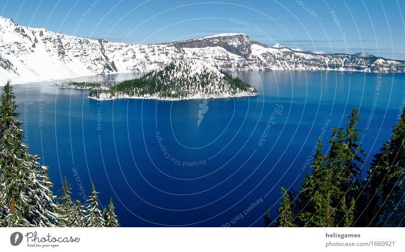Crater Lake Nationalpark Insel Winter Schnee Berge u. Gebirge Landschaft Park Vulkan See blau Kratersee Vulkankrater Wasser Oregon Farbfoto Tag