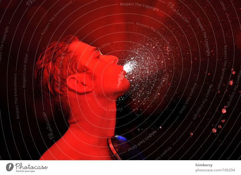 feuerlöscher Mann Jugendliche rot Erwachsene Gesicht Leben Haare & Frisuren Kopf Junger Mann außergewöhnlich nass Wassertropfen einzeln feucht Lichtspiel