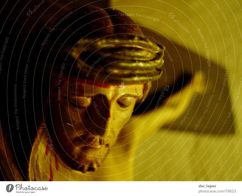 crux_2 Jesus Christus Religion & Glaube Dinge auch hier: Kruzifix Rücken INRI Detailaufnahme Streit in deutschen Klassenzimmern Sonntag.