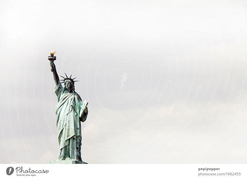 Armleuchte Ferien & Urlaub & Reisen Tourismus Ausflug Städtereise feminin Frau Erwachsene Körper 1 Mensch Skulptur New York City Amerika USA Stadt