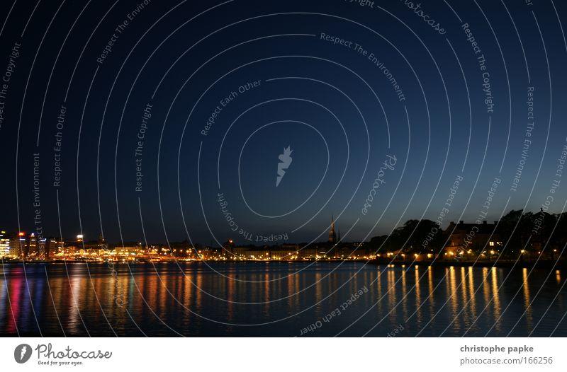 Stockhom at night Wasser Himmel blau Sommer Ferien & Urlaub & Reisen Haus Küste Insel Kirche Tourismus Skyline Seeufer Stadtzentrum Flussufer Schweden