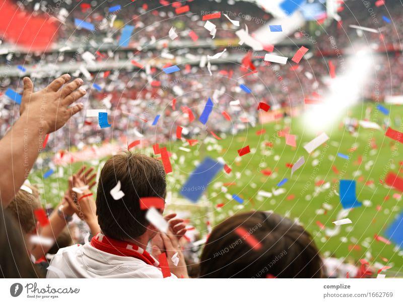 WM 2018 in Russland blau weiß rot Freude Sport Glück Feste & Feiern Erfolg Sportmannschaft sportlich Frankreich Publikum Sportveranstaltung Sportler Konfetti