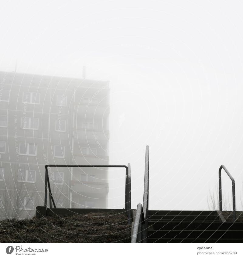 Sozialverhalten Himmel Winter Einsamkeit Leben Wiese Freiheit träumen Traurigkeit Wege & Pfade Architektur Wohnung Nebel Armut Wetter Perspektive Treppe