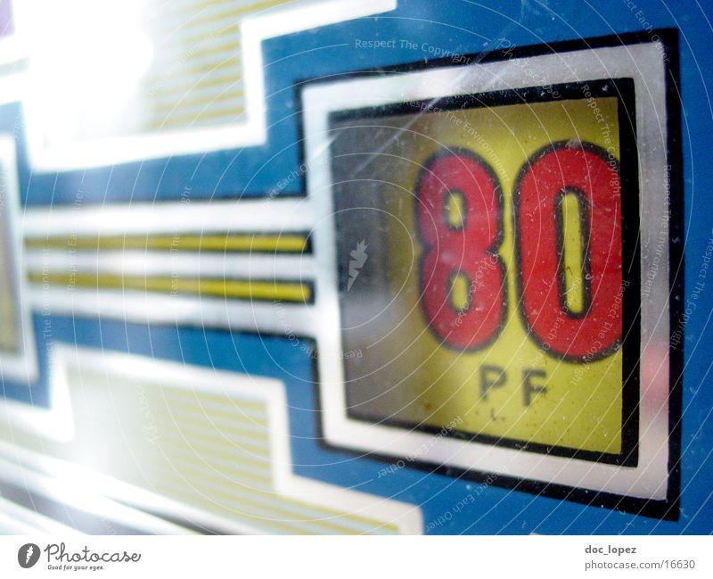 alte Liebe rostet nicht... Spielautomat Pfennige retro Gastronomie Glücksspiel rot gelb Ziffern & Zahlen Nahaufnahme Freizeit & Hobby 80 Daddelautomat Kneipe