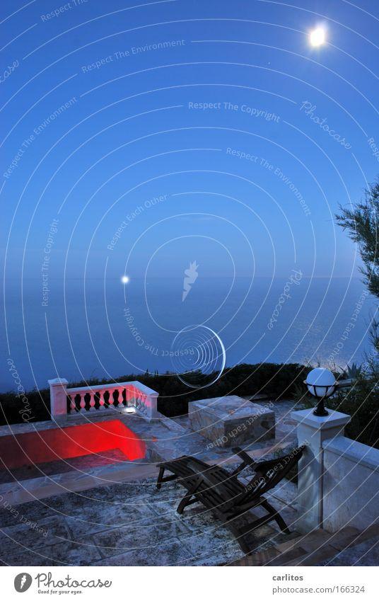 Nachts geht es rund !! Meer blau rot ruhig Ferne Erholung Bewegung Graffiti Küste Kunst elegant Kreis ästhetisch Schwimmbad Kitsch Nachthimmel