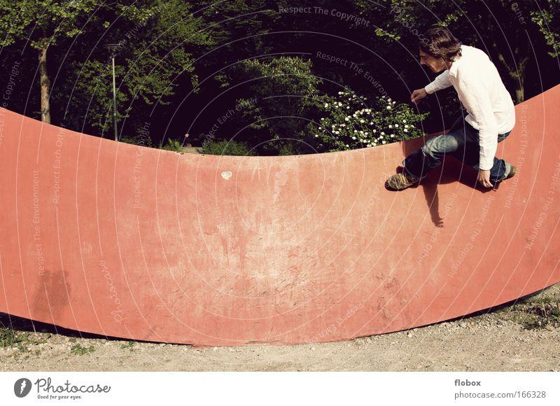 [MUC-09] Nild Schwerelos Mann Jugendliche Erwachsene Sport Wand springen gefährlich Coolness bedrohlich sportlich Mut Skateboarding Freak Salto Halfpipe Trick