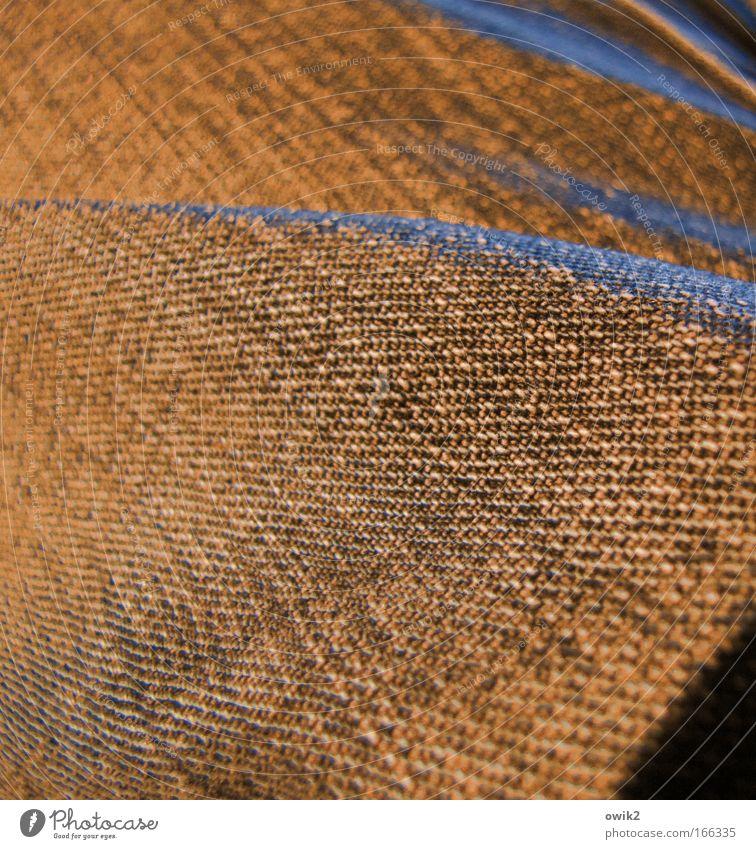 Fehlfarben Farbfoto Gedeckte Farben Experiment abstrakt Muster Strukturen & Formen Abend Schatten Kontrast Schwache Tiefenschärfe Bekleidung Hose Jeanshose nah