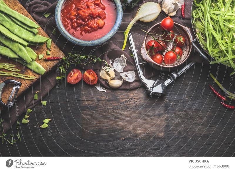 Frisches Bio- Gemüse der Saison Kochen Gesunde Ernährung gelb Leben Foodfotografie Stil Lebensmittel Design Häusliches Leben Tisch Kräuter & Gewürze Küche
