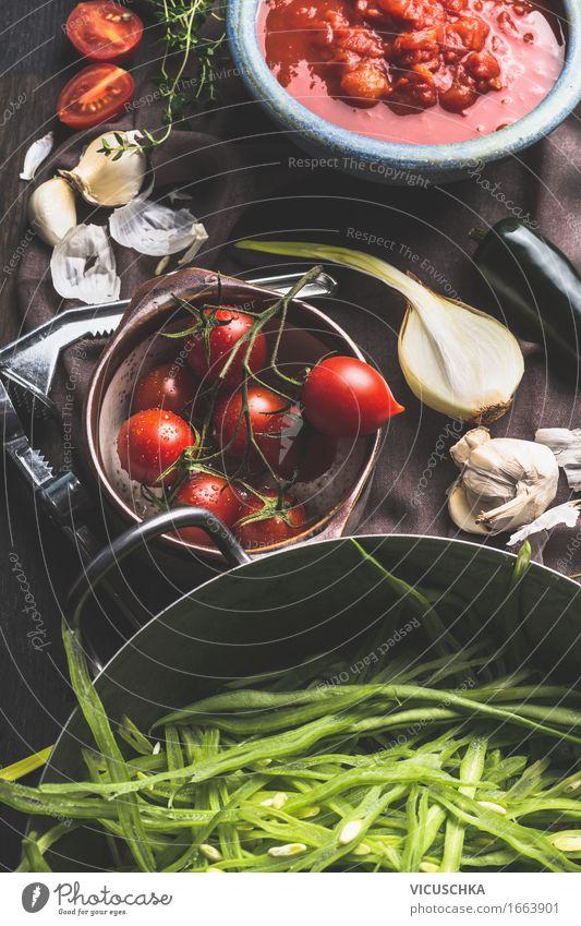 Gemüse Zutaten auf dunklem Küchentisch Lebensmittel Kräuter & Gewürze Ernährung Mittagessen Abendessen Büffet Brunch Bioprodukte Vegetarische Ernährung Diät