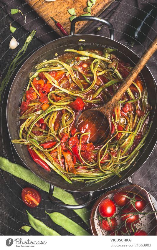 """Grüne Bohnen """"Spaghetti"""" mit Tomatensauce grün Gesunde Ernährung dunkel Leben Speise Foodfotografie Stil Lebensmittel Design Tisch Gemüse Bioprodukte"""