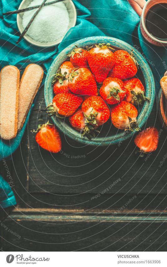 Erdbeeren in blauer Schale Frucht Dessert Ernährung Büffet Brunch Bioprodukte Geschirr Stil Design Gesundheit Gesunde Ernährung Leben Sommer Häusliches Leben