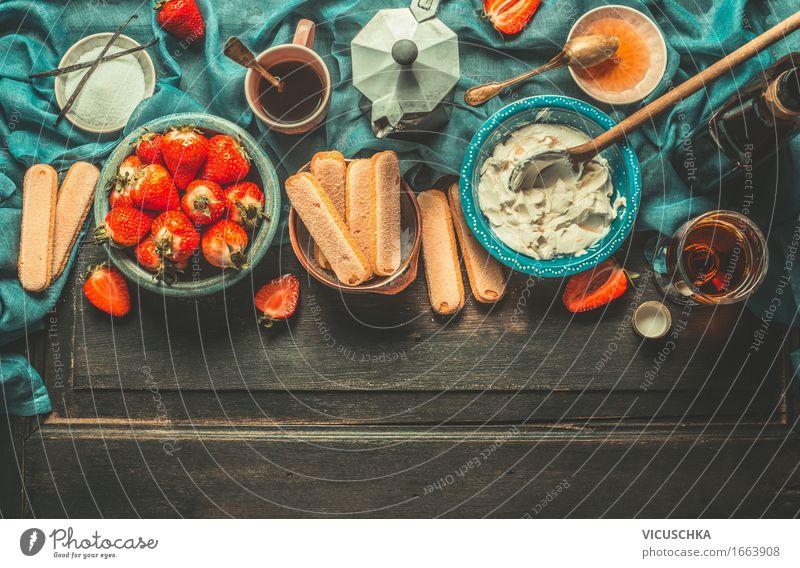 Erdbeeren und Tiramisu Zutaten Lebensmittel Käse Milcherzeugnisse Frucht Kuchen Süßwaren Ernährung Festessen Italienische Küche Getränk Kaffee Spirituosen