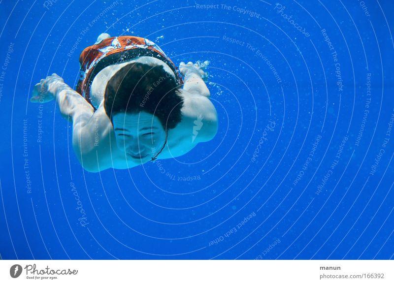 diver Mensch Jugendliche blau Wasser Sommer Freude Leben Sport Bewegung Kindheit Zufriedenheit Freizeit & Hobby Schwimmen & Baden Coolness Schwimmbad Unterwasseraufnahme