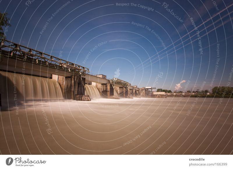 Wasserkraft Himmel Natur Wolken Umwelt Landschaft Bewegung Klima groß Industrie Fluss Flüssigkeit Dienstleistungsgewerbe Flussufer Handel komplex