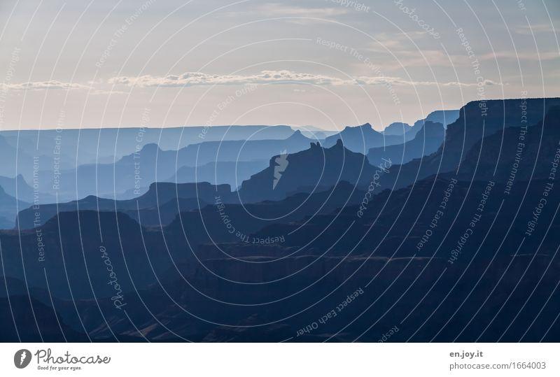 vielschichtig Himmel Natur Ferien & Urlaub & Reisen blau Landschaft Einsamkeit Ferne dunkel kalt Traurigkeit Freiheit Horizont träumen fantastisch Klima Trauer