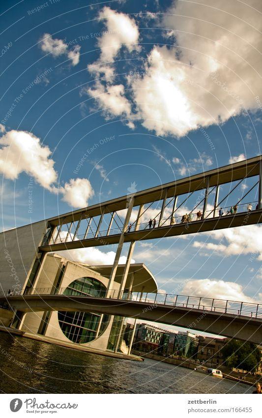 Bridge Wasser Himmel Sommer Wolken Berlin Architektur Deutschland Brücke Schifffahrt Hauptstadt Textfreiraum Kanal Spree Palast Übergang