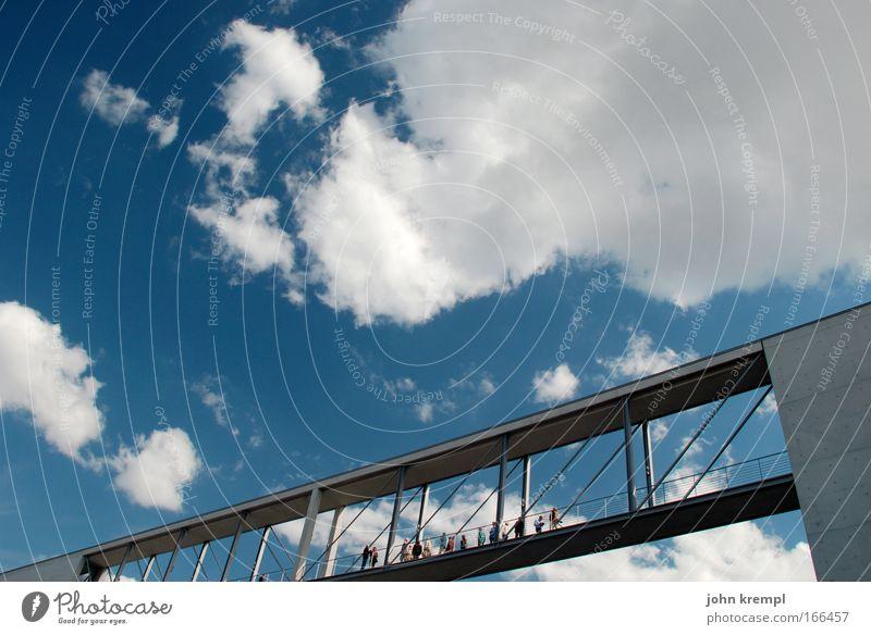 berliner luftbrücke Himmel Berlin Architektur gehen Brücke Bauwerk Wahrzeichen Hauptstadt Sehenswürdigkeit luftig Spree Fußgängerbrücke schwindelfrei Spreebogen