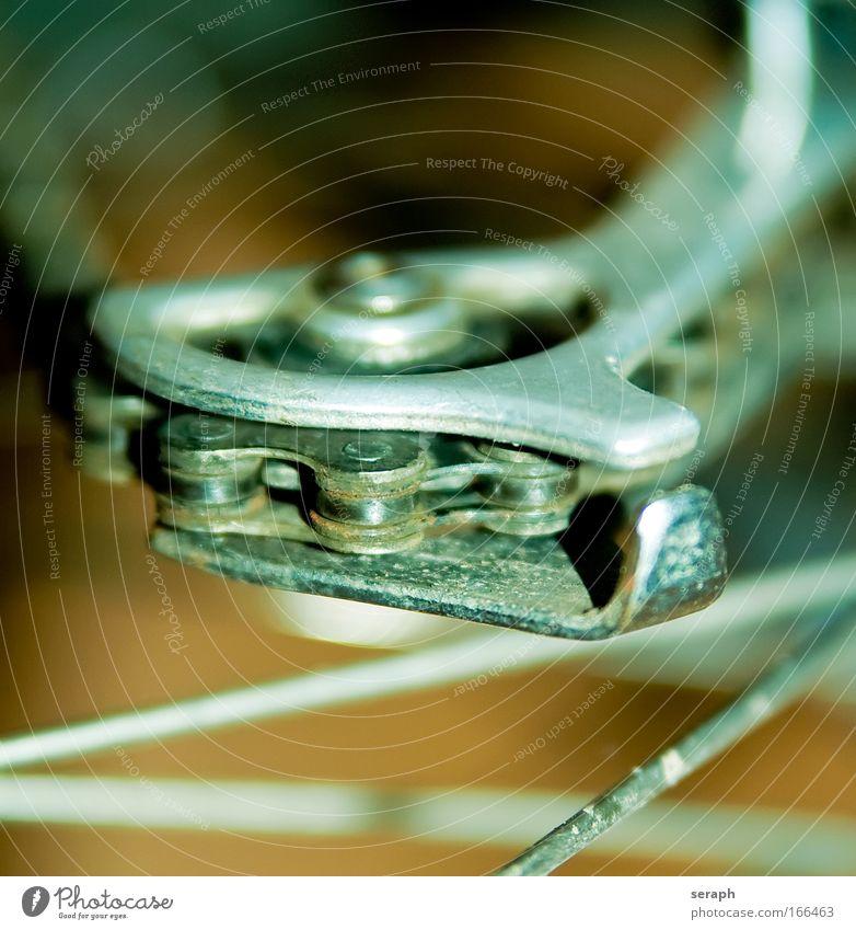Kettenlauf Zahnrad pinion metal Fahrradreifen outdoor transmission propelled course Gangschaltung Motorradfahren Nahaufnahme tooth bar turn strength