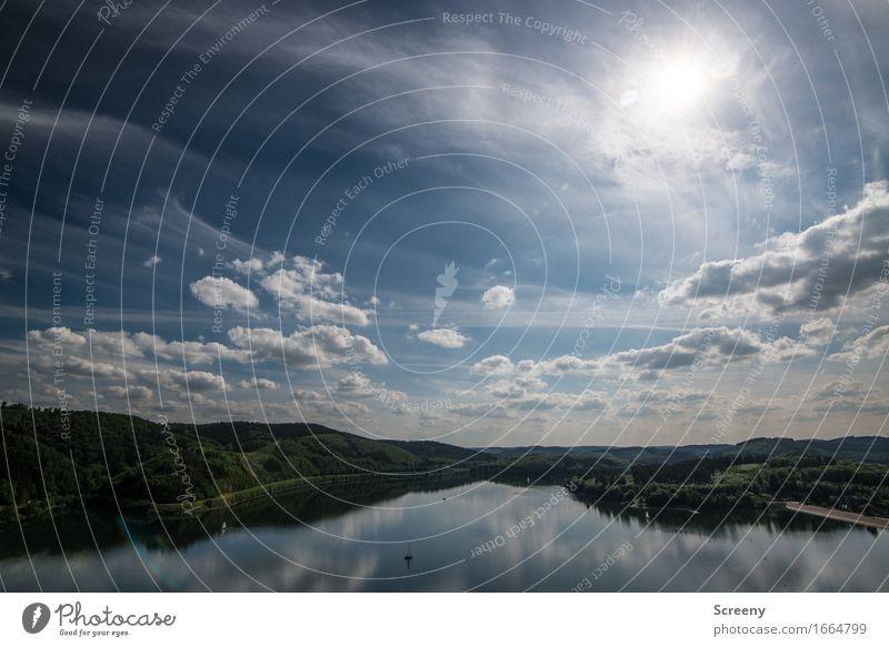 Strahlend Natur Landschaft Pflanze Luft Wasser Himmel Wolken Horizont Frühling Sommer Schönes Wetter Hügel Seeufer Biggesee Sauerland Binnenschifffahrt