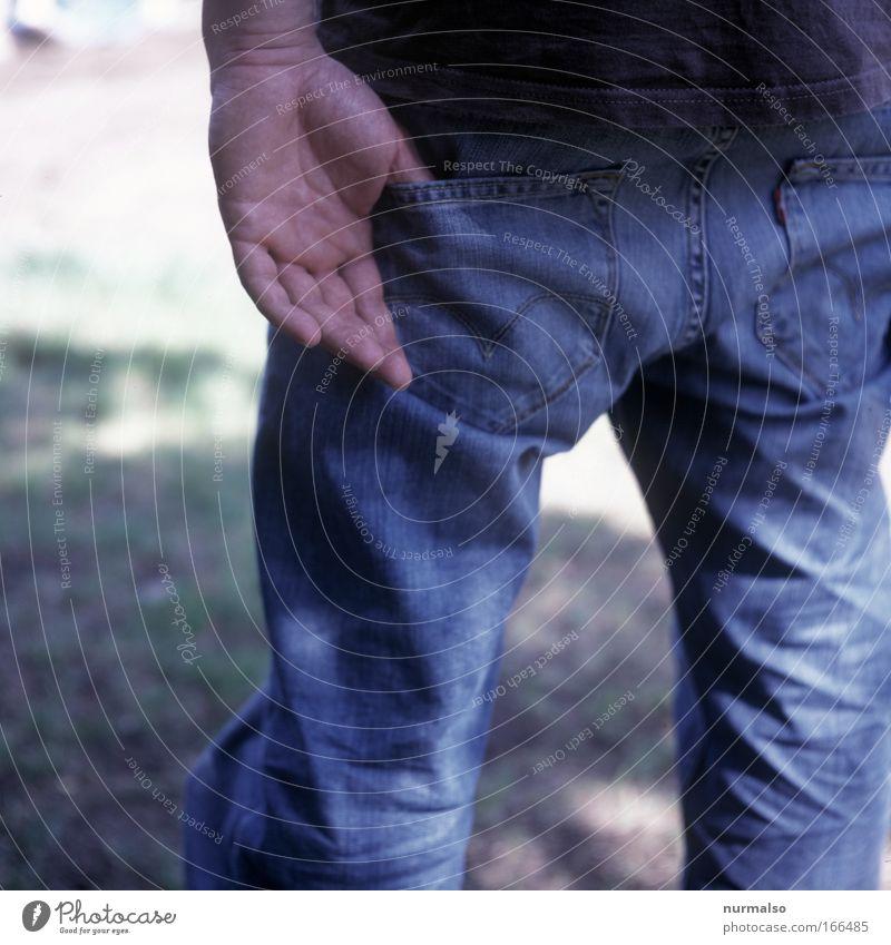lässigkeit Farbfoto Tag Vogelperspektive Rückansicht Student Handwerker Gartenarbeit Fan Umwelt Mode Hose Stoff Tasche Kamm alt Reinigen trendy blau achtsam