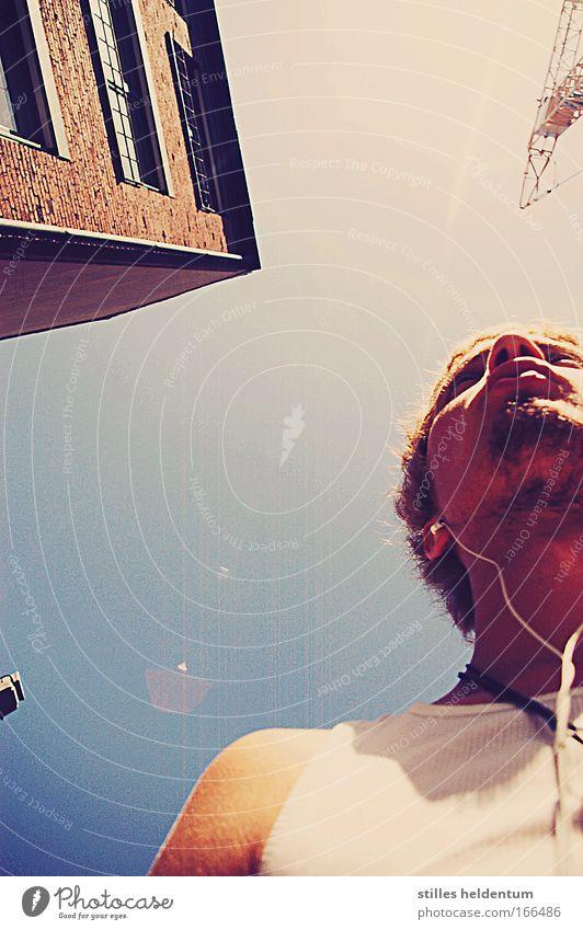 Wie die Straßen mäandern. Mensch Jugendliche Stadt Freude Erwachsene Gesicht Leben Kopf Mund Haut maskulin Nase Ohr Lomografie Lippen 18-30 Jahre