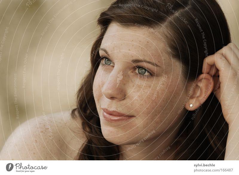 beautyful one Hand Jugendliche schön Gesicht Auge Erholung Porträt Glück träumen Zufriedenheit Frau Hoffnung Ohr weich Lippen